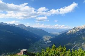 die Elferhütte und Innsbruck dahinter